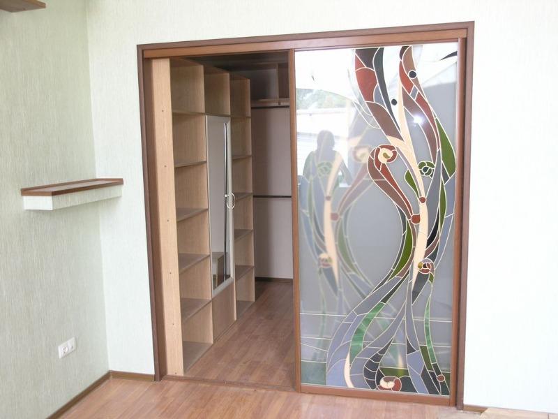 Гардеробная с раздвижными дверями своими руками