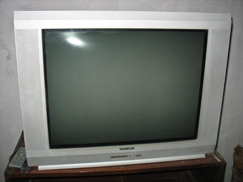 """Продам ЭЛТ телевизор Thomson 29DM400KG, диагональ 29 """" = 72см 100Гц плоский экран, в отличном состоянии."""