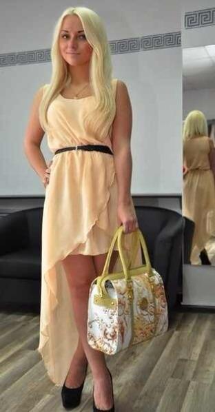 фото персикового цвета платье нежно