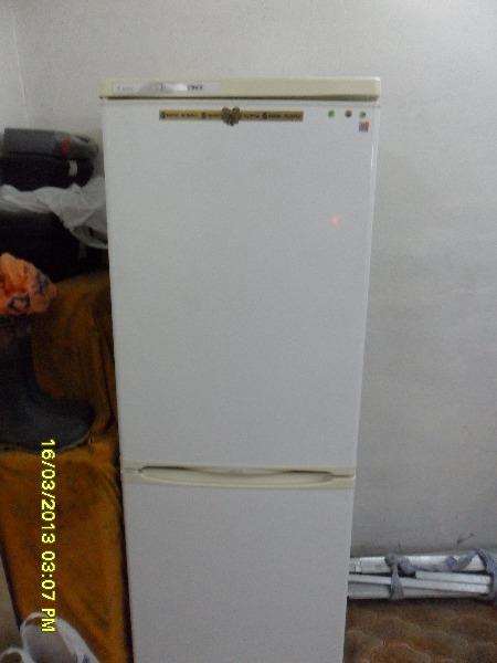 продам холодильник Stinol 107ER Общие характеристики Тип холодильник с морозильником Расположение отдельно стоящий...