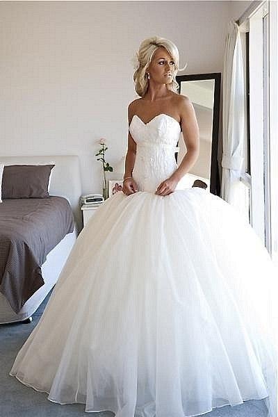 Новые пышные свадебные платья р 40 44 и