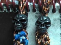 Темляки из американского паракорда.  Квадратного и круглого плетения.  С черепом эмерсон(США) -500 рублей, с...