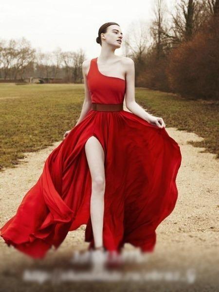 вечерние платья ск кружевными накидками