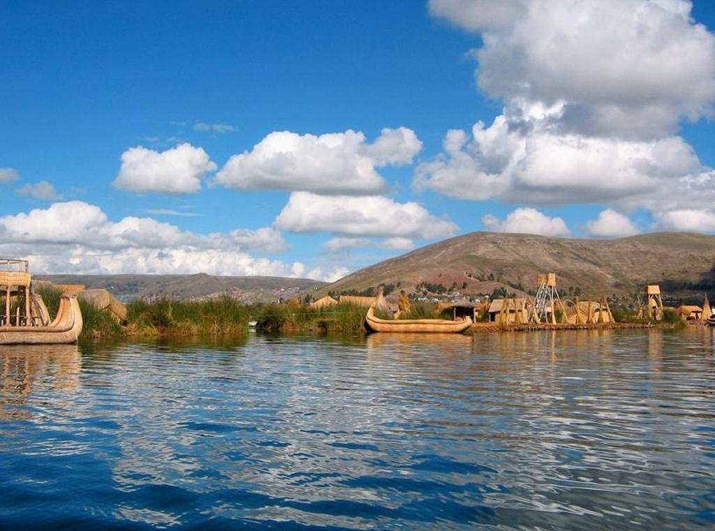 Озеро Титикака. Фото с сайта:  tonkosti.ru