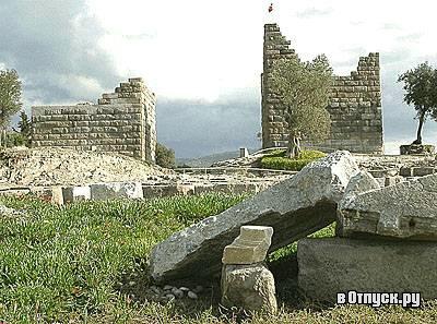Ворота Миндоса. Фото с сайта  www.votpusk.ru .