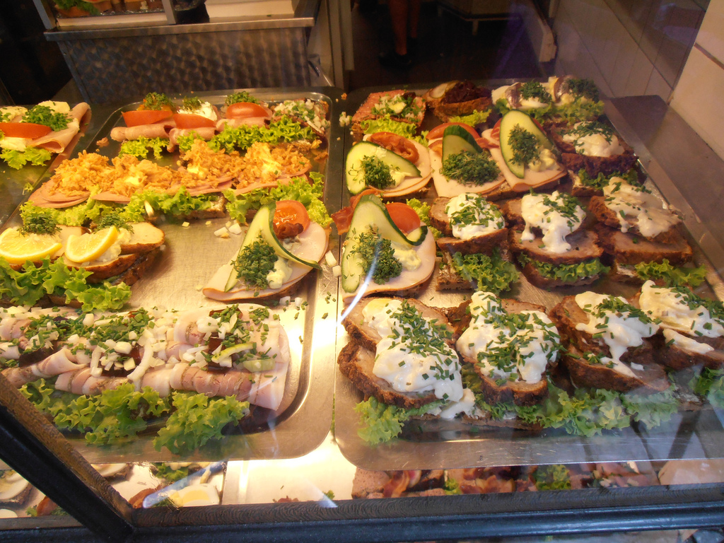 Бутерброды «Смёрребрёд». Фото:    storebukkebruse