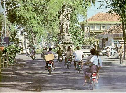 Улицы Денпасара. Фото: balivision.com