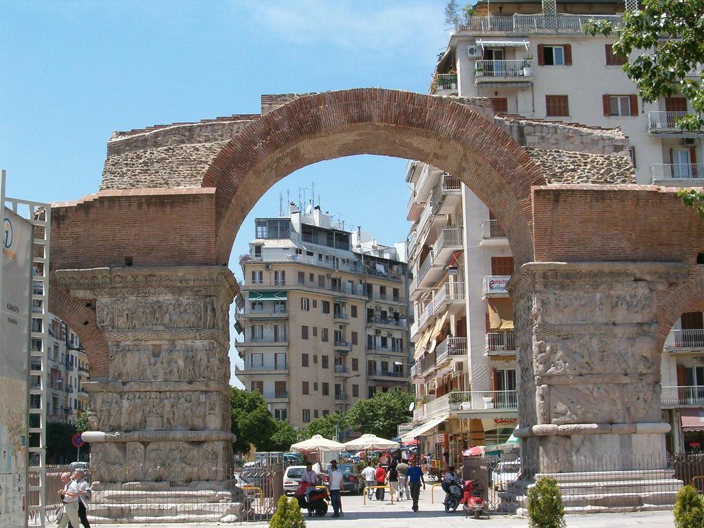 Виды Триумфальной арки Камара. Фото:  Тонкости_туризма