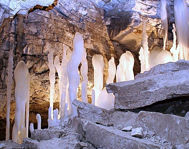 В Кунгурской пещере. Фото: kungurcave.ru
