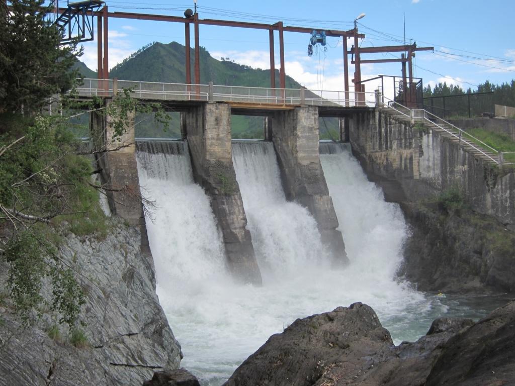 Чемальская ГЭС. Фото:  Obakeneko