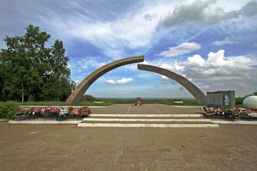 Мемориал «Разорванное Кольцо». Фото: www.newproba.ru