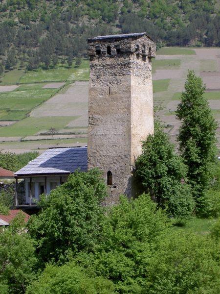 Дом с каменной башней. Фото: ru.wikipedia.org