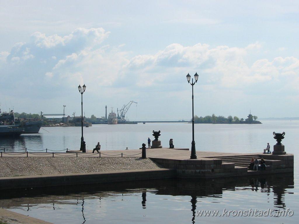 Петровская пристань. Фото:  www.kronshtadt.info