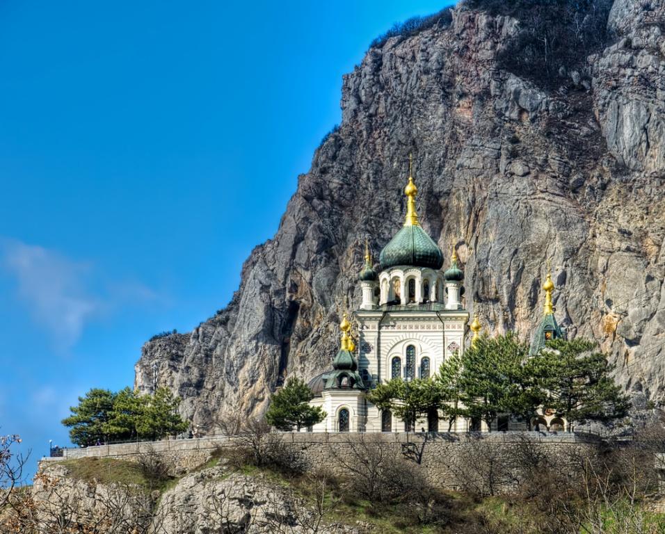 Форосская Воскресенская церковь. Фото с сайта  tonkosti.ru