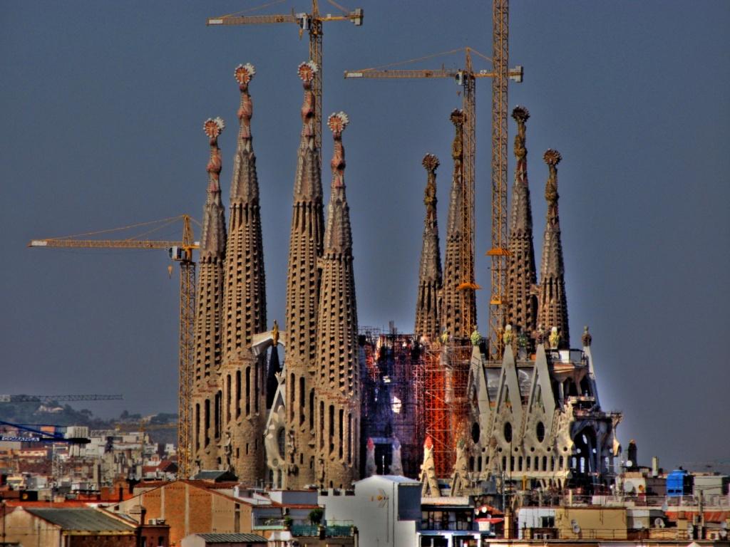 Саграда Фамилиа в Барселоне. Фото:   SlapBcn