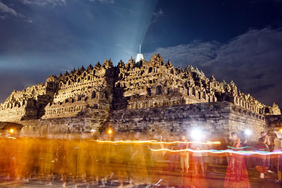 Боробудур. Фото с сайта  supercoolpics.com