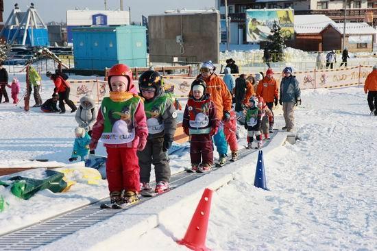 Детский горнолыжный клуб. Фото: www.volen.ru