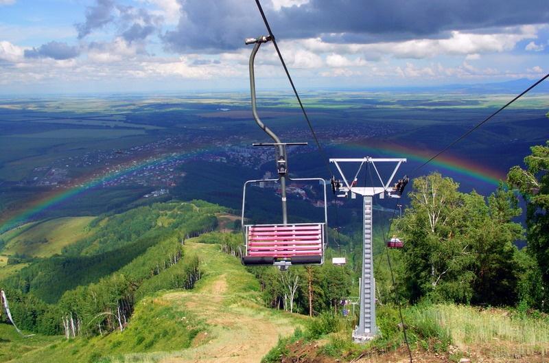 Вид с вершины г. Церковка. Фото: www.blagodat22.ru
