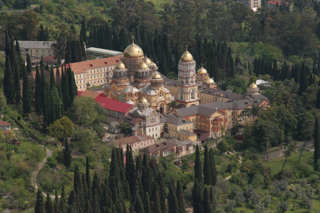 Новоафонский монастырь. Фото:  tonkosti.ru