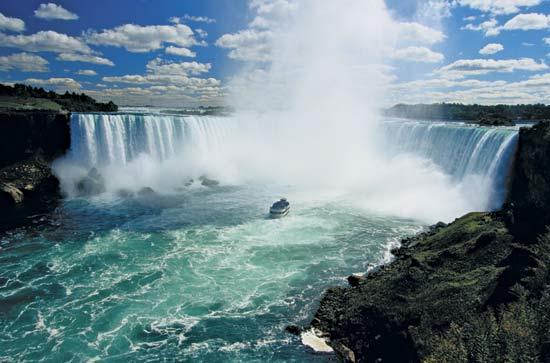 Ниагарский водопад. Фото: scrapetv.com