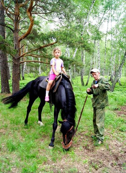 Верховая езда для взрослых и детей