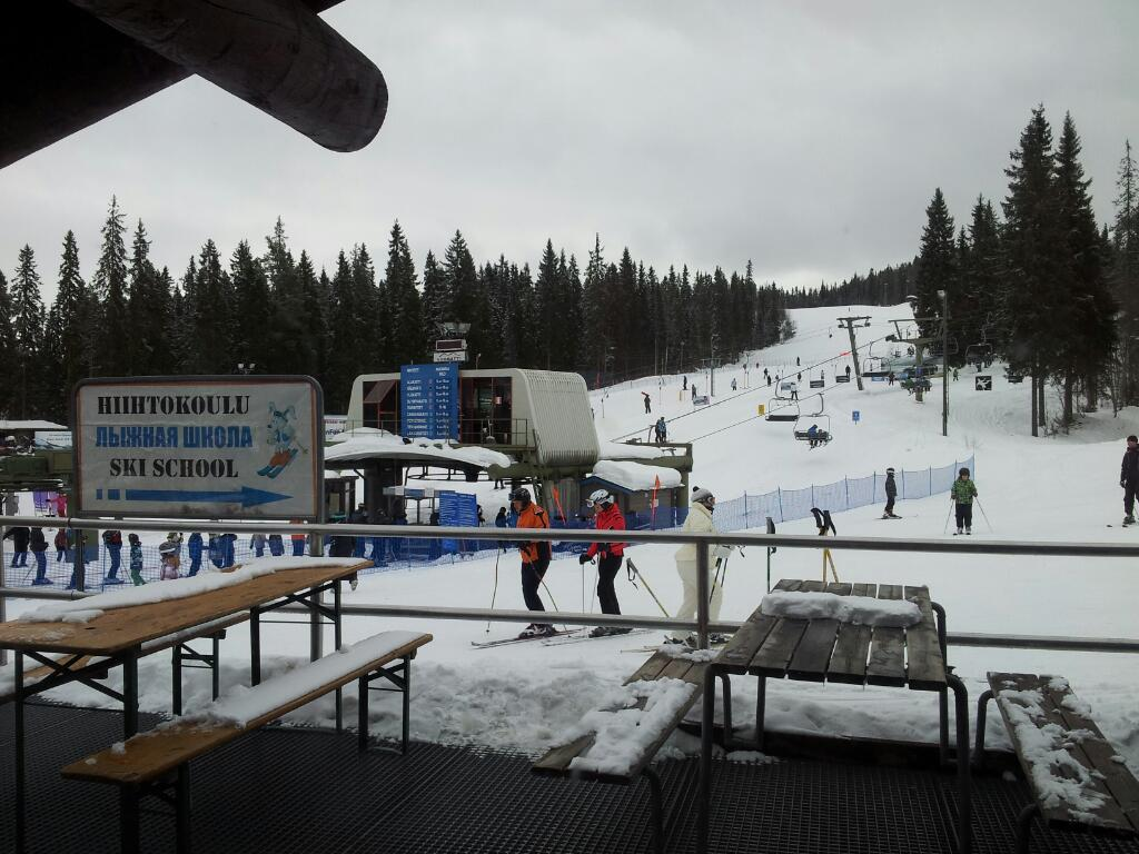 Лыжная школа в Вуокатти. Фото:  Helge V. Keitel