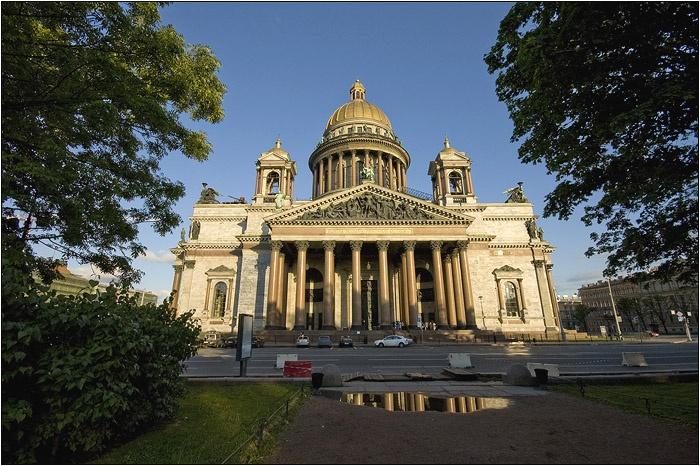 Исаакиевсий собор. Автор: Мочалов Артем. Фото с сайта  www.mochaloff.ru