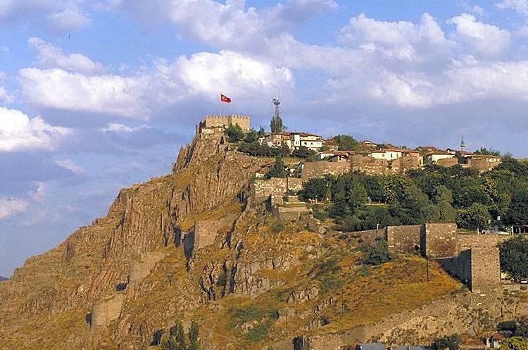 Цитадель Хисар. Фото: www.turkeyforfriends.com