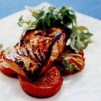 Лосось с томатом. Фото: www.galopom.com.ua