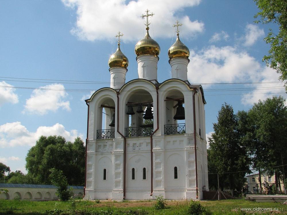 Колокольня Никольского монастыря. Фото:  www.oldtowns.ru