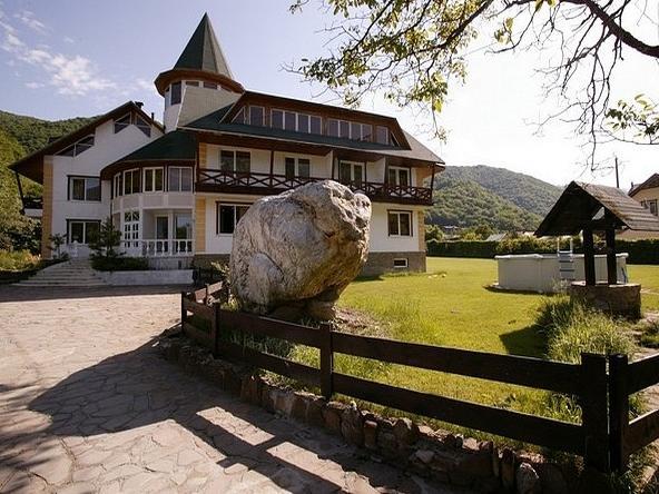 Отель четыре вершины