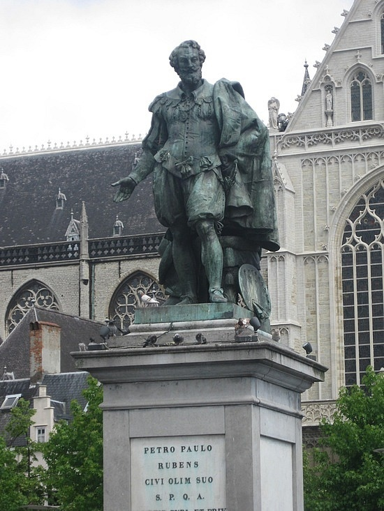 Памятник Питеру Паулю Рубенсу в Антверпене. Фото: travelpod.com