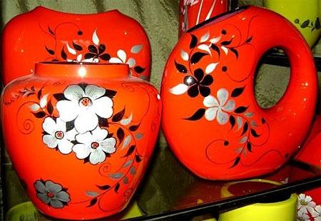 Расписанная керамика. Фото: nhat-nam.ru