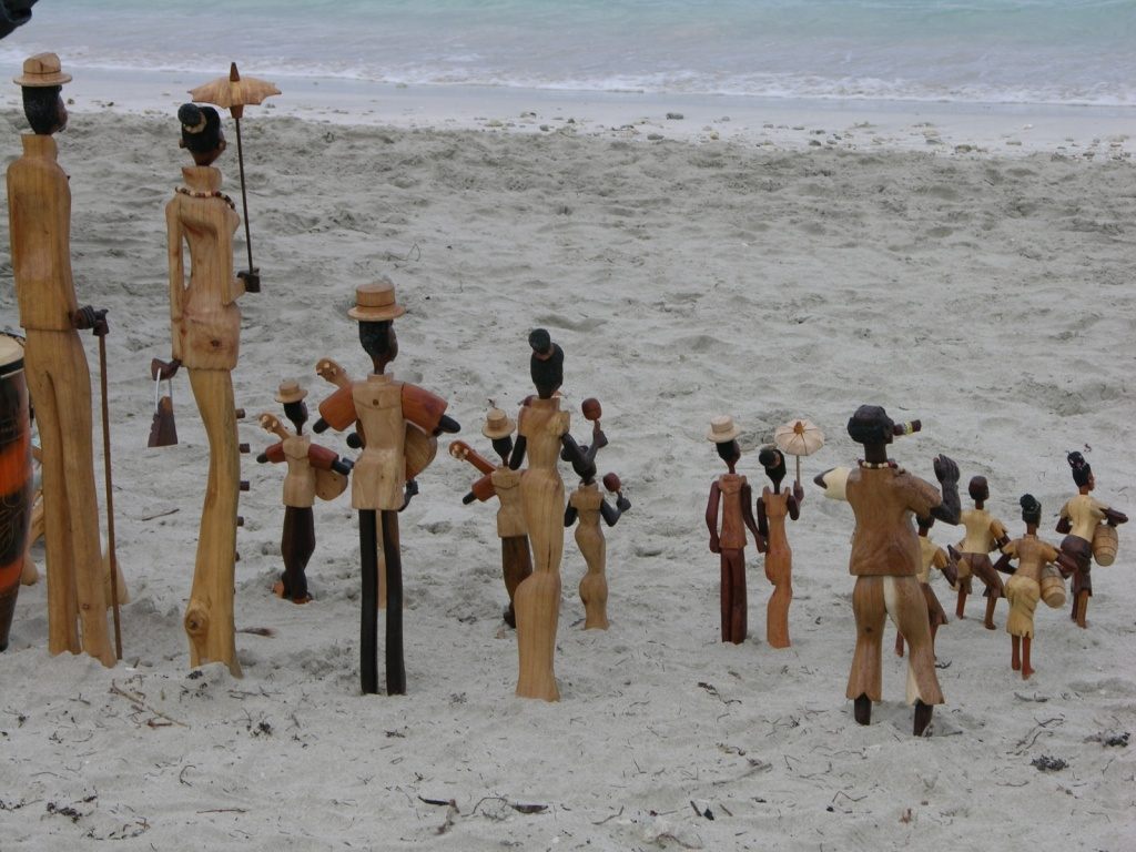 Сувениры на пляже Варадеро. Фото:  Тонкости туризма