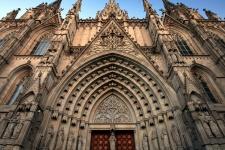 Кафедральный собор (La Catedral de la Santa Cruz y Santa Eulalia)
