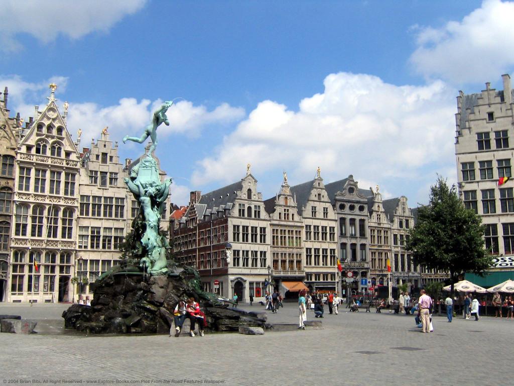 Площадь Гроте Маркт. Антверпен. Фото: hostels.com