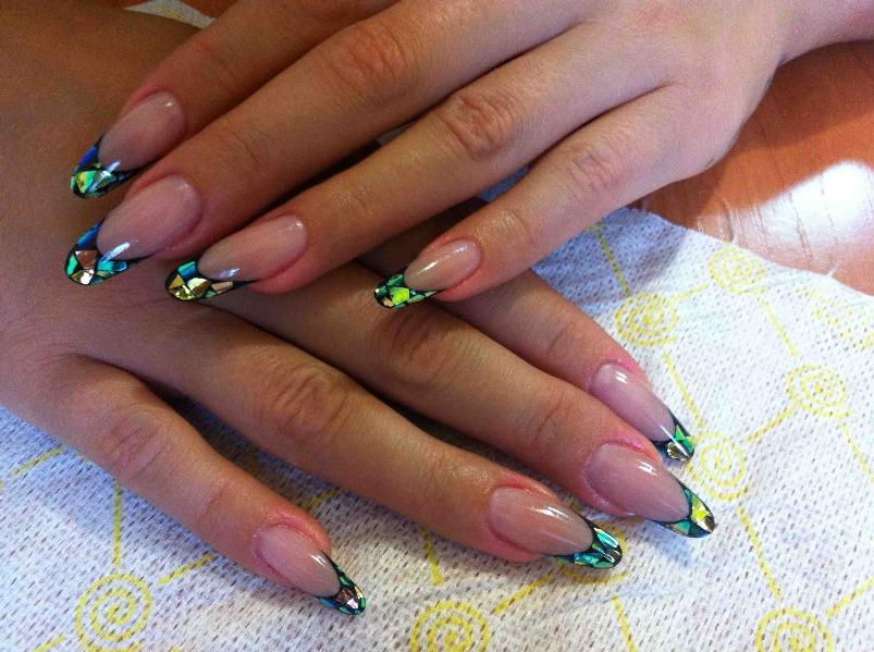 Дизайн ногтей на слюде