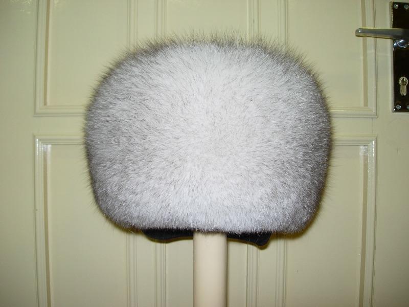 Как почистить меховую шапку изнутри
