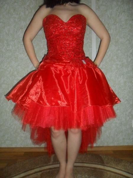 коктельное платье из тонкого трикотажа для невысоких