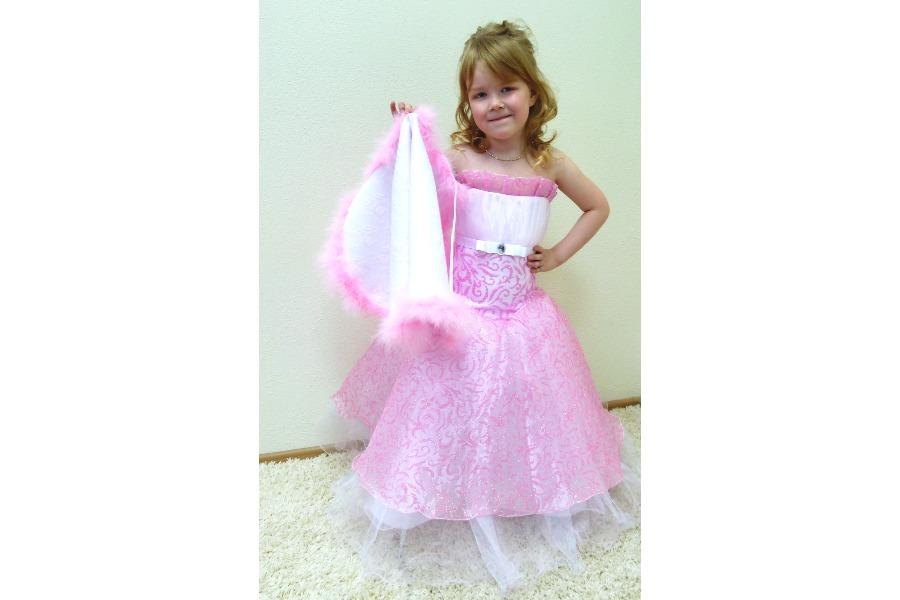 Рубрика: продажа.  Продам шикарные платья на выпускной в детский сад.