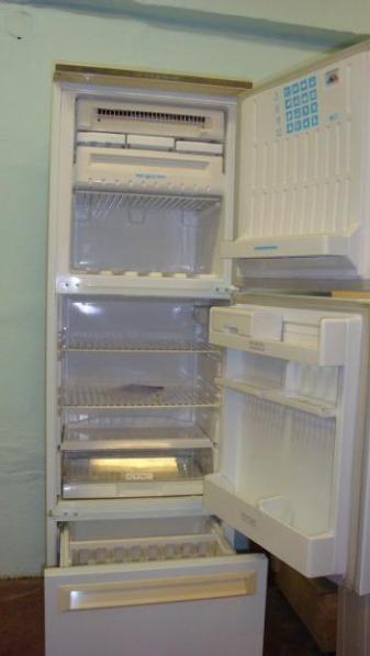 холодильник высота 185 см ширина 60 глубина 60 см.3 секции-морозильная, холодильная и большой ящик для овощей с...