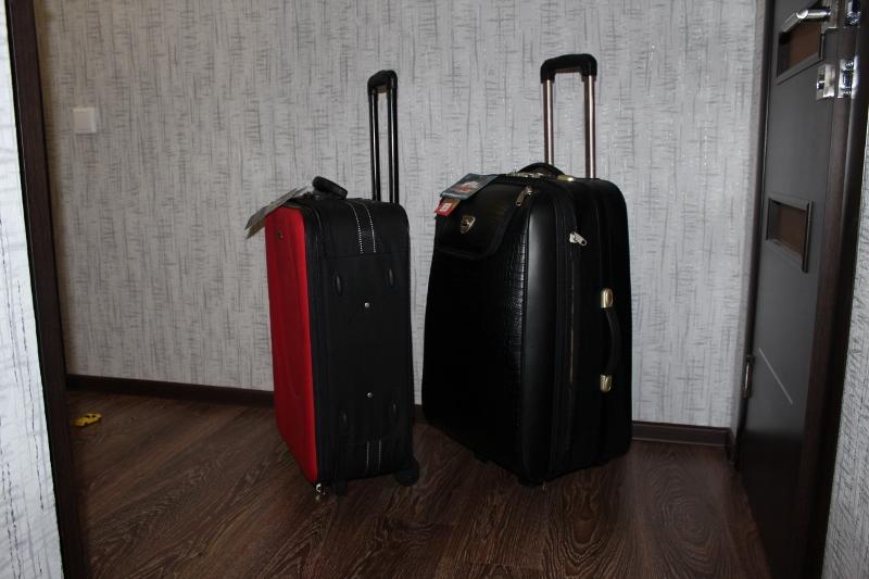 Продам чемодан новый.