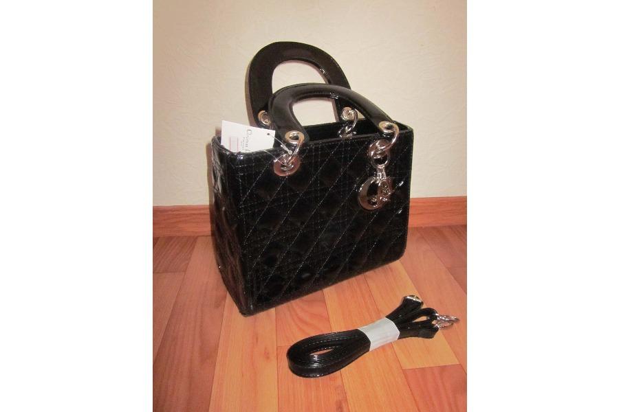 Продам очень эффектную сумочку Lady Dior (новая)
