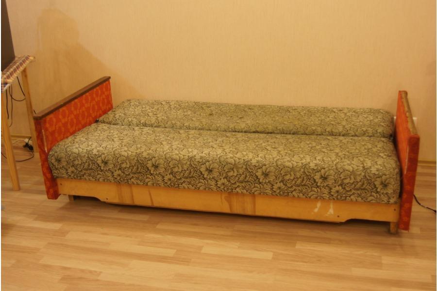 Старый диван фото