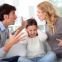 Игрушки, телевизор, квартира: на что имеет право ребёнок при разводе родителей