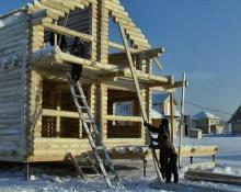 Дом-победитель зимнего сезона был изготовлен, доставлен из Иркутска и собран всего за 12 дней! И это в декабрьские морозы.