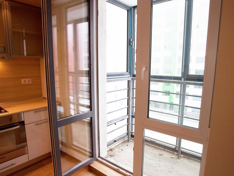 Совмещение витражного балкона с комнатой фото. - установка л.