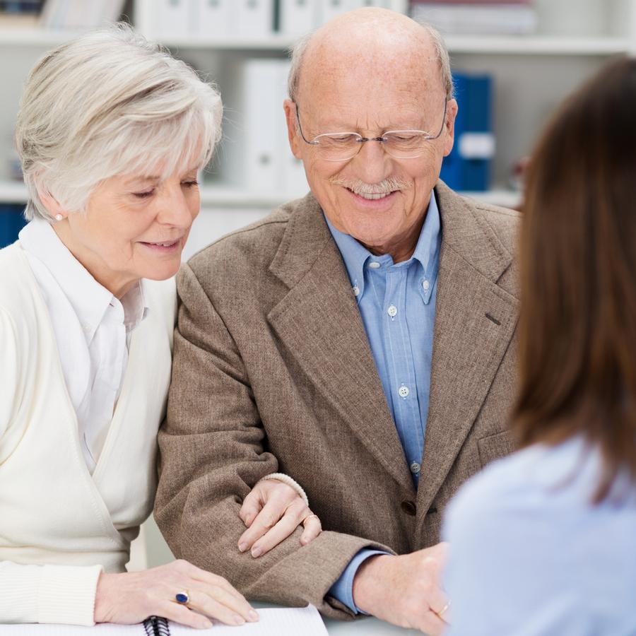 Пенсия работающим пенсионерам в 2017 года доплата за стаж