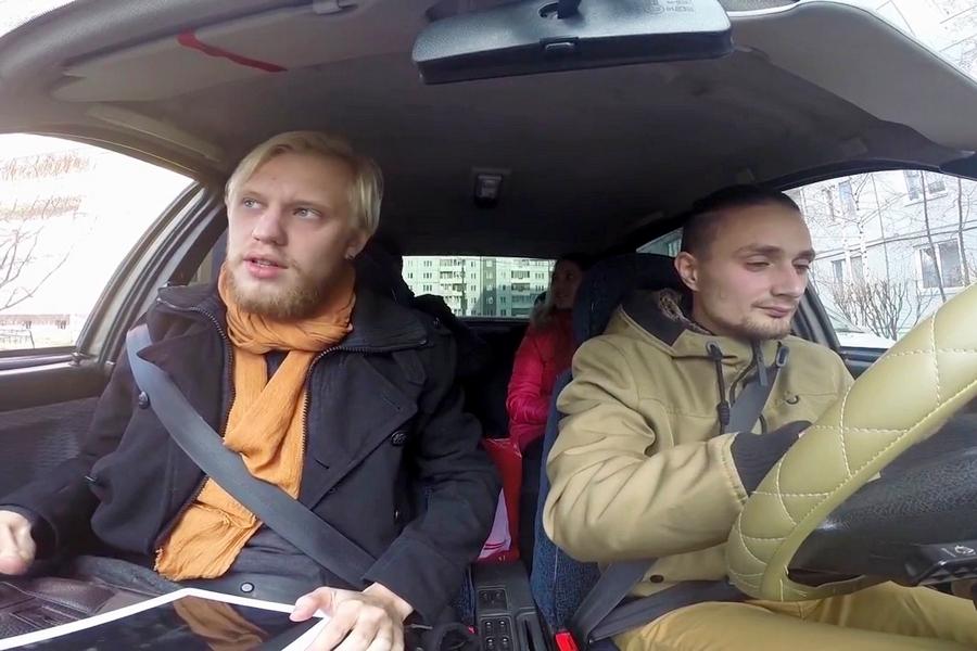 Два художника из Красноярска претендуют на премию в 10 тысяч евро за работу в такси