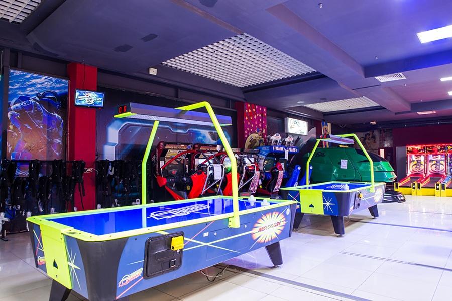 Все виды игровых автоматов в развлекаткльном центре